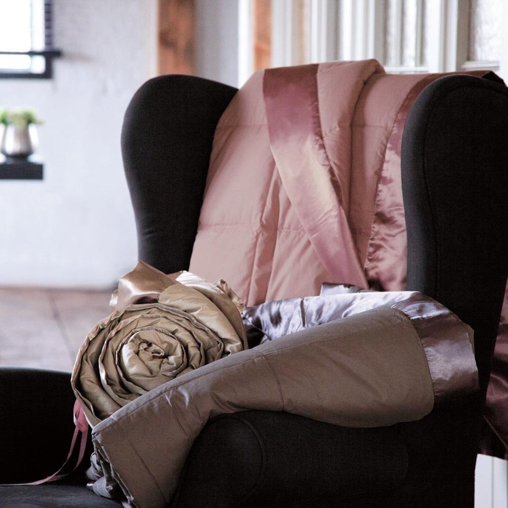 cocoon makata chocolat par anne de sol ne jet de lit la boutique novalinge. Black Bedroom Furniture Sets. Home Design Ideas