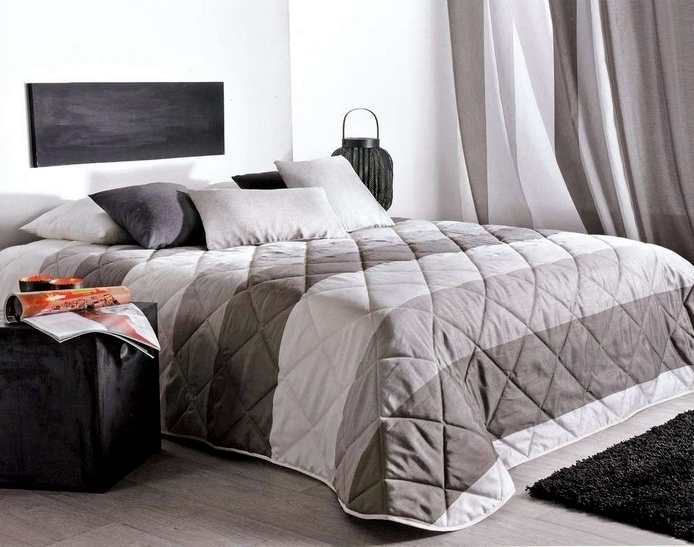 Jet de lit 180x240cm bergame gris 10 par linder la for Plaid contemporain
