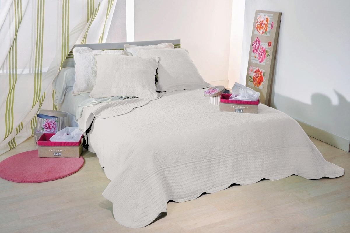 lut ce blanc 10 par linder jet de lit 180x240cm 1 taie la boutique novalinge. Black Bedroom Furniture Sets. Home Design Ideas