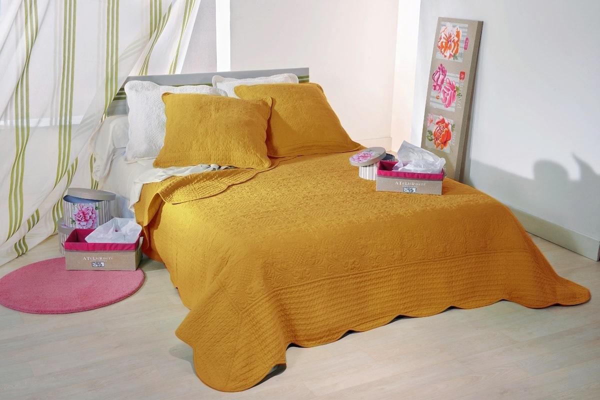 lut ce safran 35 par linder jet de lit 180x240cm 1 taie la boutique novalinge. Black Bedroom Furniture Sets. Home Design Ideas