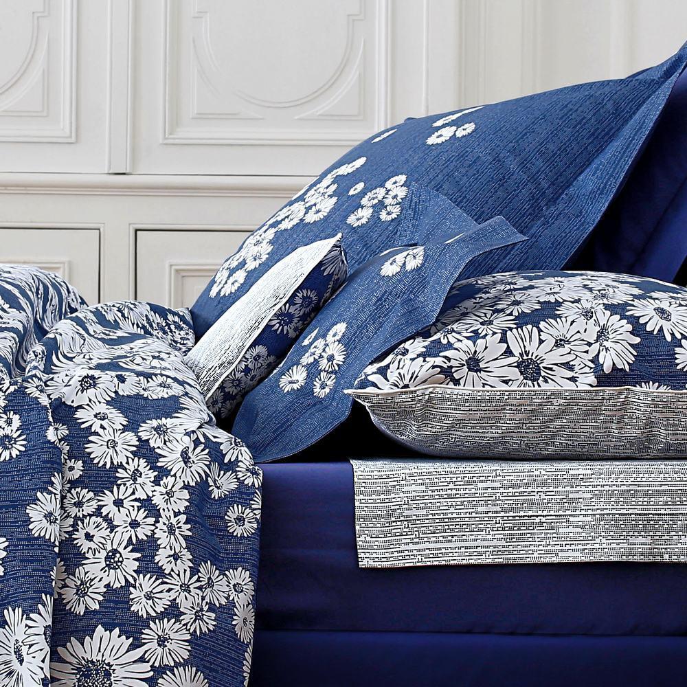 dans les pr s bleu par blanc des vosges la boutique. Black Bedroom Furniture Sets. Home Design Ideas