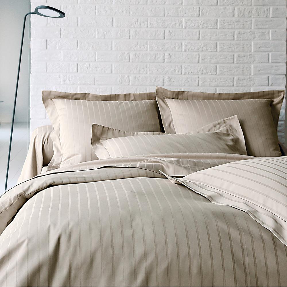 housse de couette 280x240cm divine chanvre par blanc des. Black Bedroom Furniture Sets. Home Design Ideas