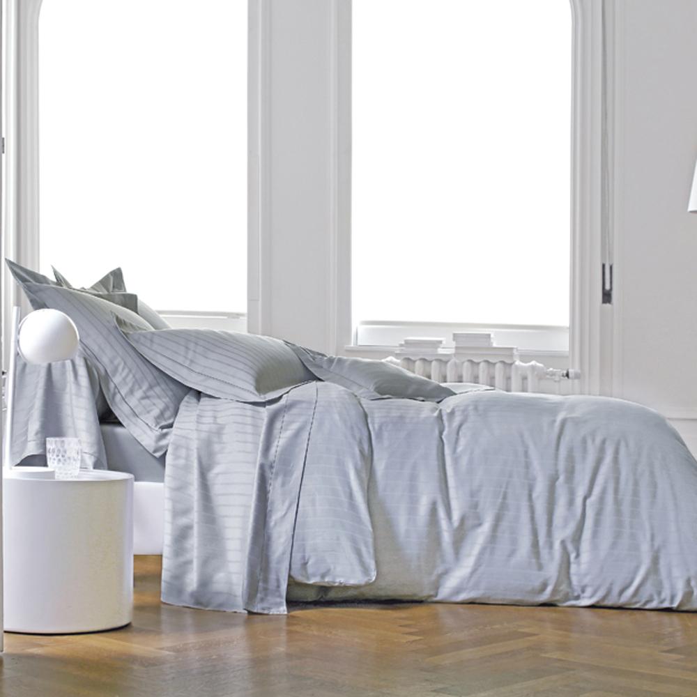 housse de couette 260x240cm divine m tal par blanc des vosges la boutique novalinge. Black Bedroom Furniture Sets. Home Design Ideas