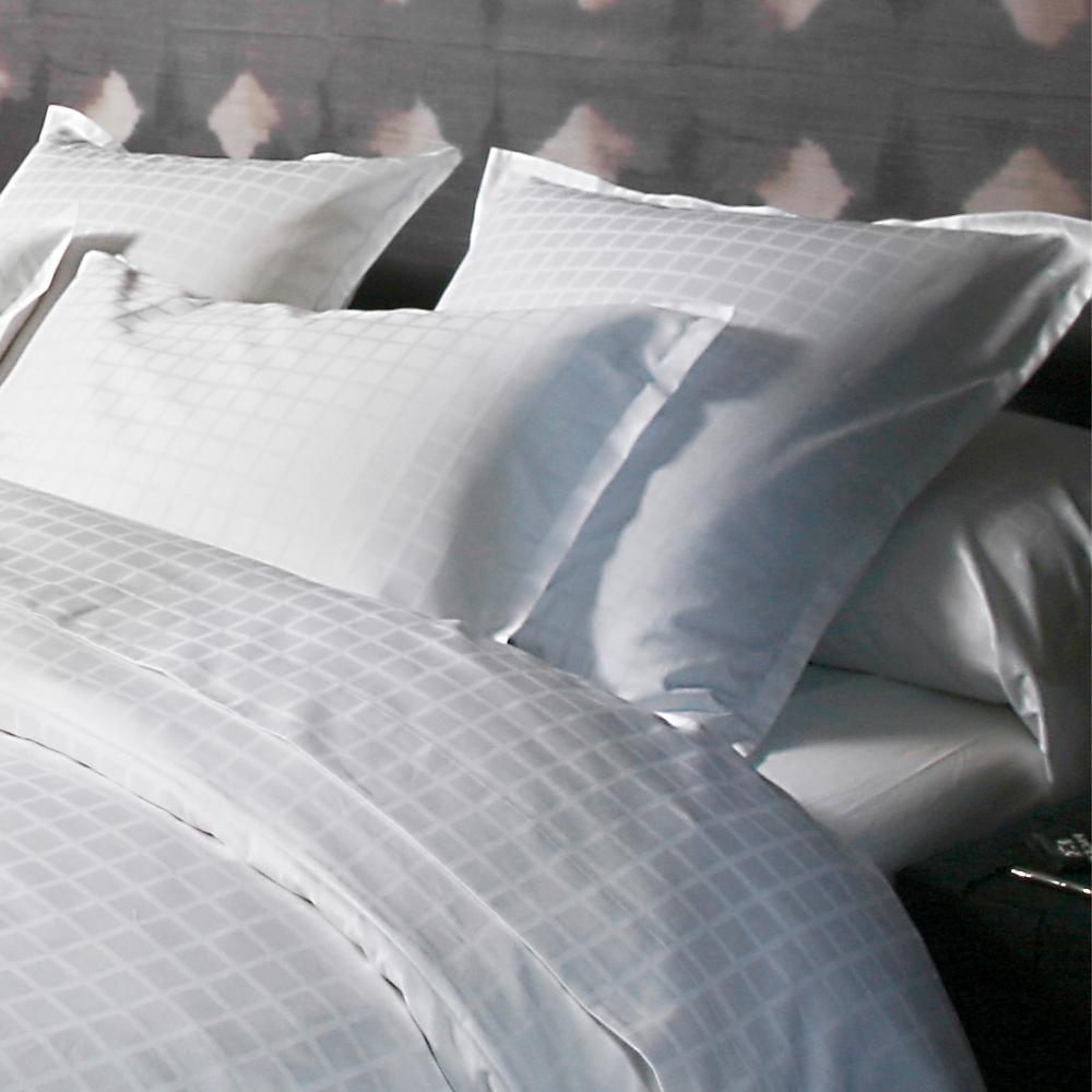 housse de couette 240x220cm palace blanc par blanc des vosges la boutique novalinge. Black Bedroom Furniture Sets. Home Design Ideas